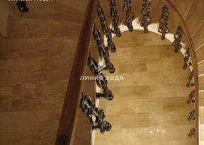 Монолитная лестница в отделке натуральным камнем ООО ЛИНИЯ ХОДА Проект 010_04