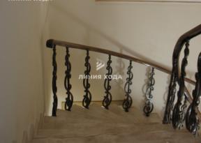 Монолитная лестница в отделке натуральным камнем ООО ЛИНИЯ ХОДА Проект 010_06
