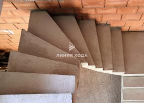 Лестница с площадкой в частном доме ООО ЛИНИЯ ХОДА Проект 032_6