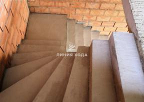 Лестница с площадкой в частном доме ООО ЛИНИЯ ХОДА Проект 032_8