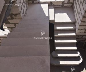 Лестница с двумя площадками в частном доме ООО ЛИНИЯ ХОДА Проект 005_06